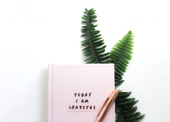 4 ways to practice gratitude all year