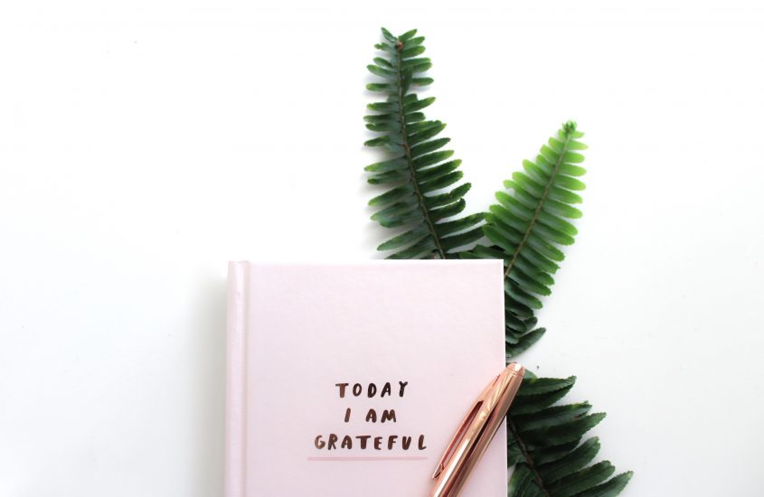 4 ways to practice gratitude all year