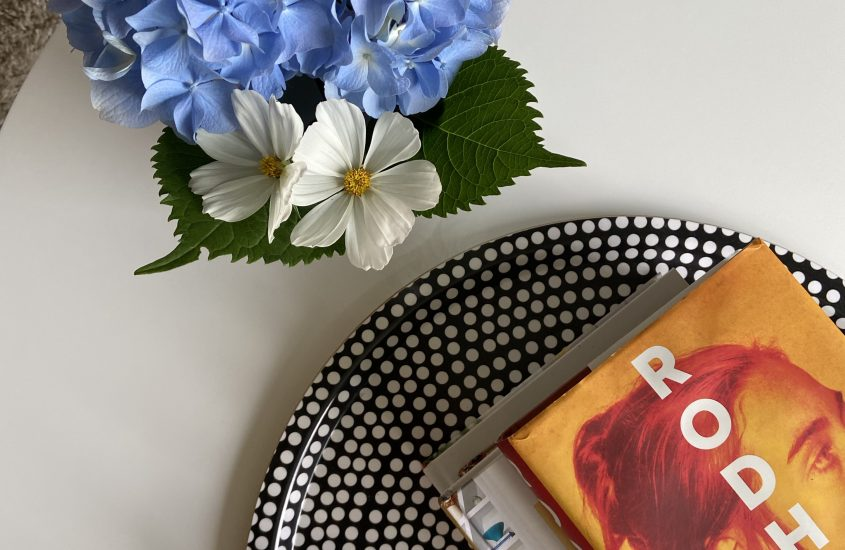 5 Tips to Read More Books + My Summer Booklist