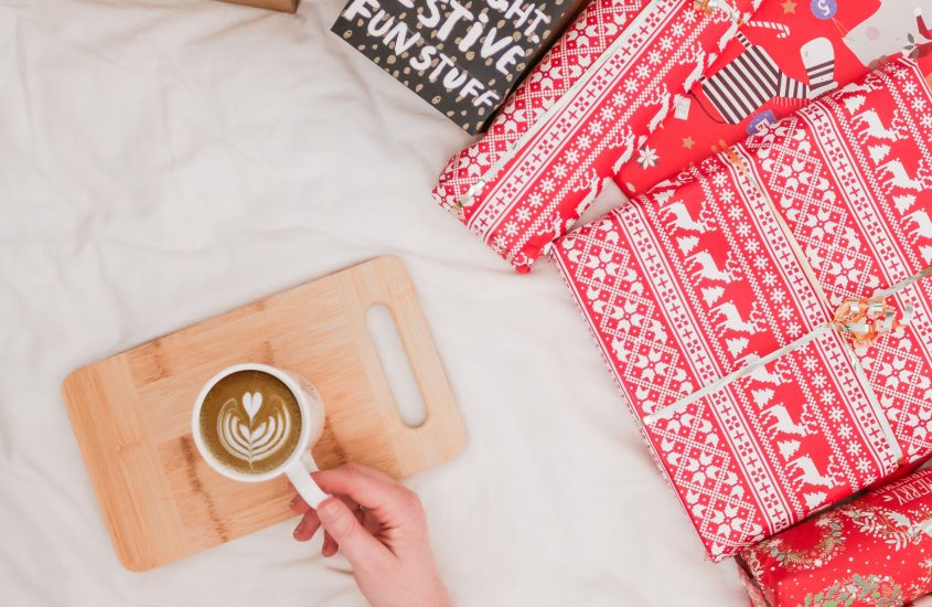 4 Ways to Organize Your Gift-Wrapping Supplies